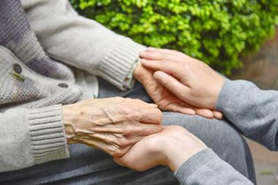 利用者さまご本人とご家族の両方の立場を考え、最適なサービスをご提供いたします。
